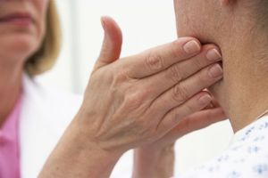 Болит лимфоузел на шее-что делать