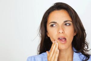 Вывих челюсти: причины