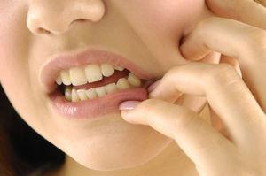 Причины и лечение -Почему сводит зубы и челюсть
