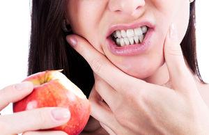 Почему сводит зубы и челюсть- Причины и лечение