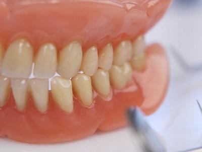 Зубные протезы новое поколение мягких протезов без неба на верхнюю челюсть как их делают