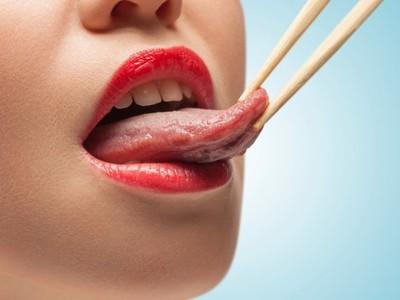 Почему немеет язык у человека – причины и симптомы