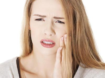 Как избавиться от зубной боли в домашних условиях без стоматолога