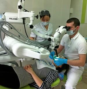 Как лечит зубы стоматолог