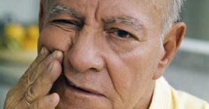 Причины болей в дёснах после удаления зубов